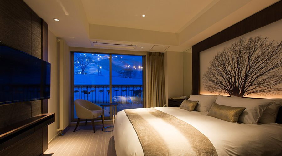 chalet-ivy-hirafu-rooms-and-suites-deluxe-onsen-suite-hirafu-mountain-view