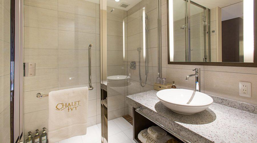 chalet-ivy-hirafu-rooms-and-suites-deluxe-room-2