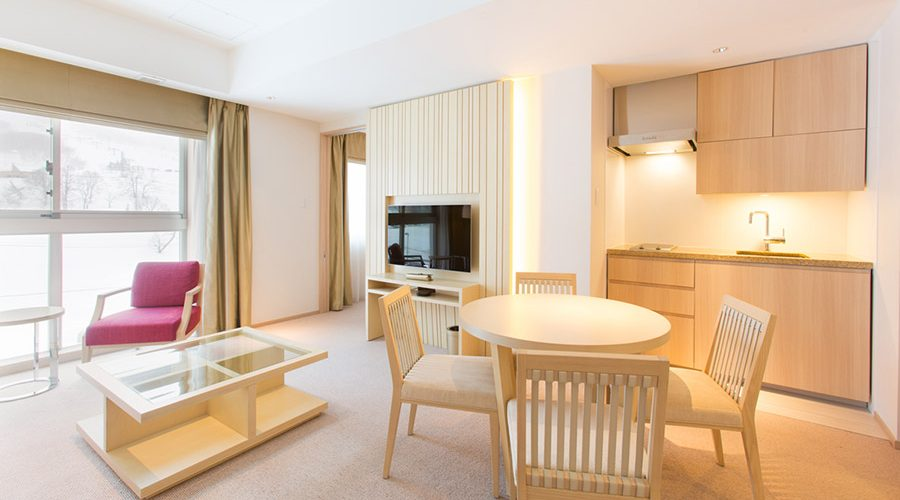 chalet-ivy-hirafu-rooms-and-suites-deluxe-suite-2